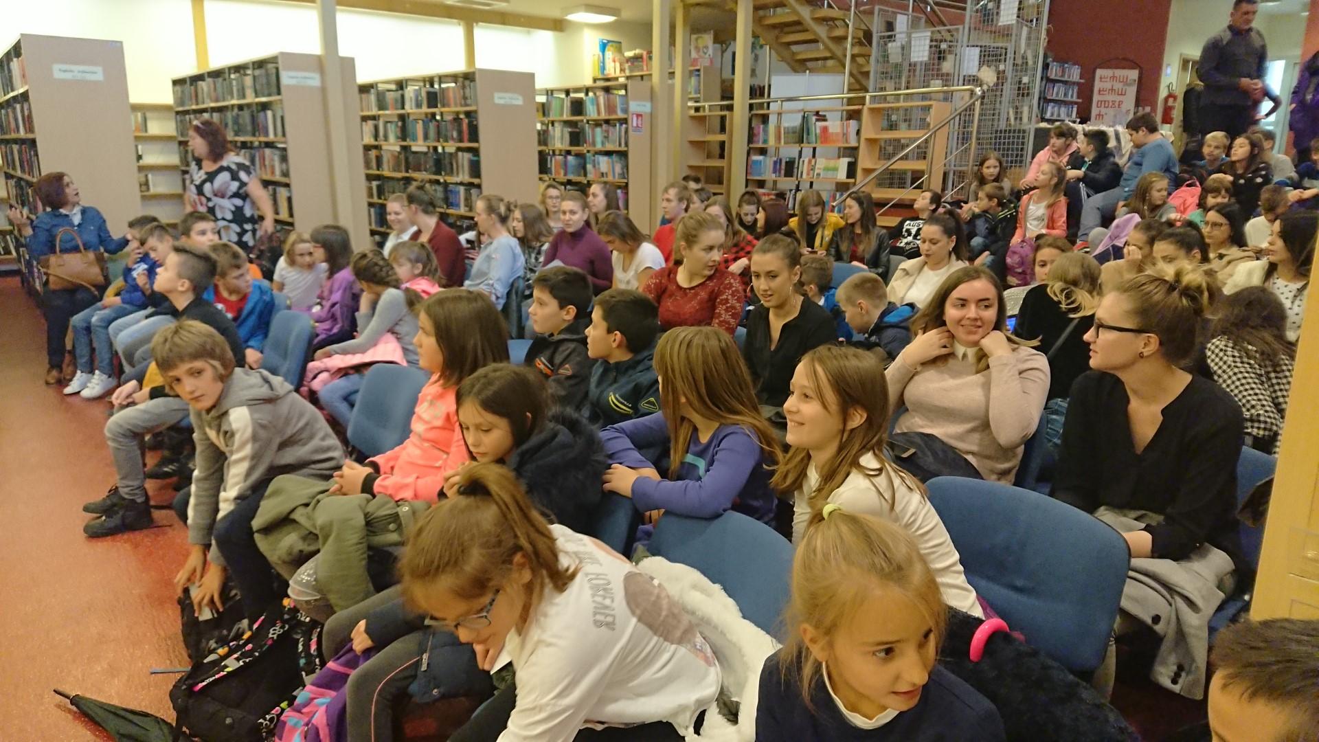 Dana 30.10.2018.g. gostovala je književnica za djecu Sanja Polak