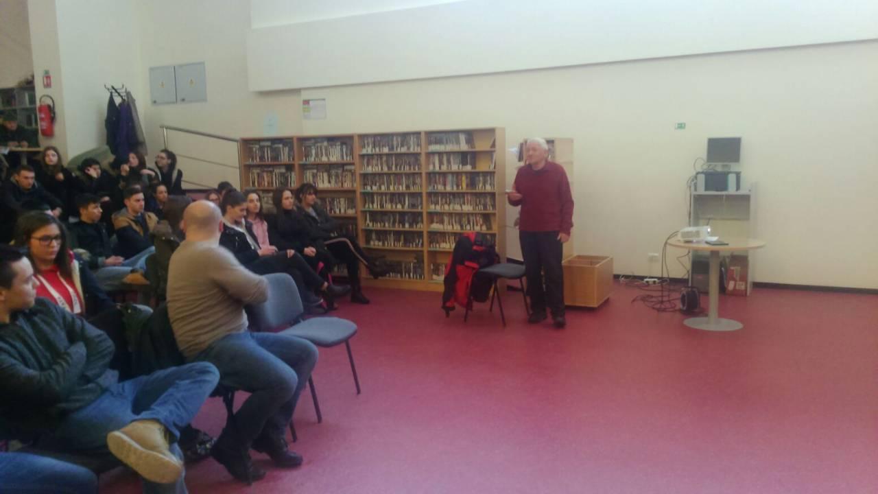 Međonarodni dan planinara obilježen je 7.03. 2018 i u Smostalnoj narodnoj knjižnici Gospić.